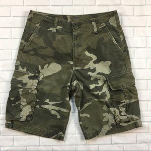 Men's Old Navy Cargo Shorts Sz 30 Camouflage